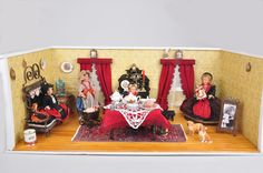 Alino Auktionen: Puppenstuben, -kaufläden
