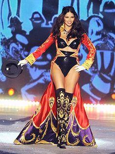 How Adriana Lima Got Her Body Back for the Victoria's Secret Fashion Show via people.com
