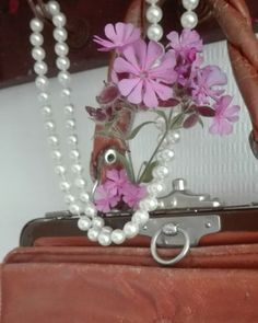 Laukku kukka helmet