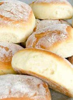 Bułeczki pszenne na jogurcie Baguette, Homemade Dinner Rolls, Bread Cake, Polish Recipes, Food Cakes, Bread Rolls, I Love Food, Food Inspiration, Baked Goods