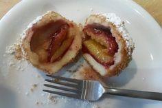 Zwetschgen- oder Marillenknödel mit Quarkteig, ein beliebtes Rezept aus der Kategorie Dessert. Bewertungen: 54. Durchschnitt: Ø 4,4.