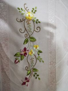 gloria gordini's media content and analytics Hand Embroidery Dress, Embroidery Works, Simple Embroidery, Hand Embroidery Stitches, Silk Ribbon Embroidery, Crewel Embroidery, Embroidery Techniques, Flower Embroidery, Border Embroidery Designs