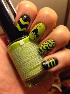 Halloween mani! manicure, nails, stamping, green nails.