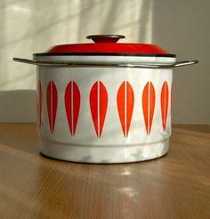 Vintage Cathrineholm Lotus enamel casserole pan