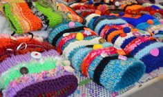 TWIDDLEMUFFS are decorated with materials, such as beads and zips, that people with dementia can twiddle with their hands. They're simple and fun to make. Here is how to make your own: