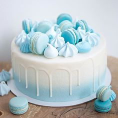 Blue, frosty cake with a variety of . - Cake - first birthday cake-Erster Geburtstagskuchen Blue Birthday Cakes, Candy Birthday Cakes, Birthday Cakes For Teens, 50th Birthday, Birthday Cake Decorating, Cake Decorating Tips, Bolo Grande, Macaroon Cake, Teen Cakes