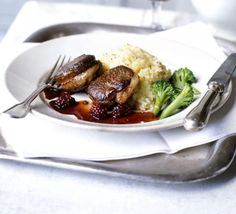 Pan-fried venison with blackberry sauce.  This is so easy to make, looks totally impressive and is seriously delicious!