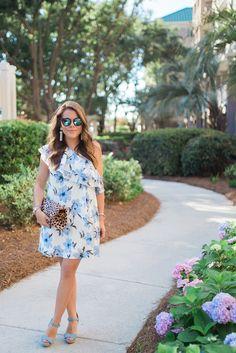 Summer Style via Glitter & Gingham / Blue Floral Dress via Red Dress Boutique / Leopard Clutch / Lisi Lerch Tassel Earrings Maternity Dresses, Pregnant Dresses, Blue Glitter, Fashion Photo, Everyday Fashion, Baby Blue, Gingham, Spring Fashion, Personal Style