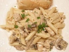Penne Pasta with Fat Free White Sauce and Chicken. I needed to find this! This is my favorite Italian meal - made healthier!