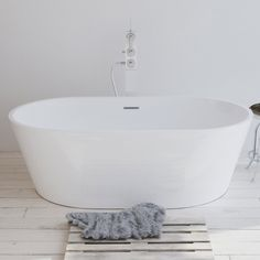 Now our Bestseller #bruges #bathtub available on new size 160cms only at www.Riluxa.com #specialprice #Riluxa #bathroom #luxury #design Bruges, Bathroom Renos, Bathroom Renovations, Bathroom Ideas, Claw Foot Bath, Clawfoot Bathtub, Freestanding Bathtub, Corian, Solid Surface