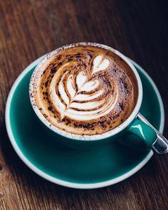 Coco coffee loves you too ♥️ Caffeine Withdrawal Symptoms, Coffee Withdrawal, Single Cup Coffee Maker, Best Coffee Maker, Coffee Drinks, Coffee Cups, Coffee Coffee, Molecular Shapes, Coffee Maker Reviews