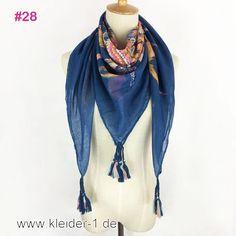 Damen Schal 110x100cm in Hellblau mit Muster