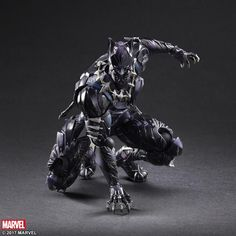 *PRE-ORDER* BLACK PANTHER: Marvel Universe Variant Play Arts Kai BY Square Enix Products