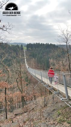 Familienwochenende in der Eifel Eifel Germany, Hiking Routes, Family Camping, Paths, Britain, Vacation, Outdoors, Travel, Orange