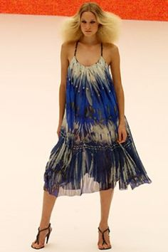 SPRING 2003 READY-TO-WEARAlexander McQueenCOLLECTION
