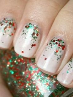 10+Adorable+Christmas+Nail+Designs