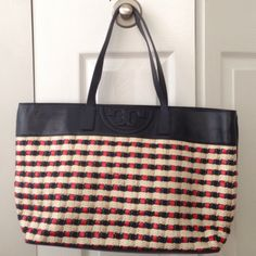 """Tory Burch Multicolored Soft Straw Tote Still in really good condition, exterior like new condition and interior minor stains inside the small zipper compartment as soon (probably are able to remove it). Top handles 9"""" drop. Magnetic snap closure ⚠️please use offer button submit reasonable offers Tory Burch Bags Totes"""