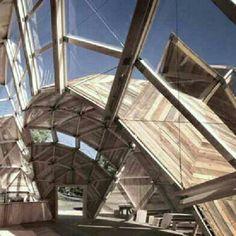 Peoples Meeting Dome, em Allinge, Dinamarca. Projeto dos arquitetos Kristoffer Tejlgaard e Benny Jepsen. #arts #architecture #arte #arquitetura #decor #design #decoração #interiores #interior #projetocompartilhar #shareproject #wood #madeiraeconforto #madeira #confort #conforto