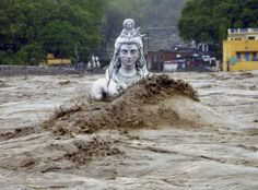 """harmonic-motion: """" sixpenceee: """" Statue of Shiva, nearly submerged in India's floodwater. """" Shiva is """"the destroyer"""". This is what Shiva has wrought. Kerala, Statues, Monsoon Rain, Himalaya, We Are The World, Extreme Weather, Lord Shiva, Lord Vishnu, Temples"""