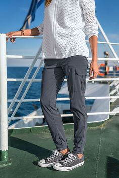 The ultimate pant to transition between outdoor adventures and casual hangouts. The Sage Jogger is stylish, yet designed with stretch, durability, and quick-drying capabilities.