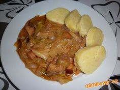 ZELÍ NAKROUHÁME NA NUDLIČKY,DÁME DO PEKÁČE.PŘIDÁME NAKRÁJENÉ MASO,KLOBÁSU,UZENÉ A CIBULI.OPEPŘÍME,OS... Slovak Recipes, Czech Recipes, Pork Recipes, Cooking Recipes, Recipies, Salty Foods, Food 52, Baked Chicken, Bellisima