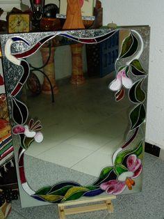 Falsa vidriera sobre espejo