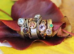 Christmas is coming !! Metalcious.com  #jewelry #giftsformom #gistsforher #engagement #holidayenagaement #christmas