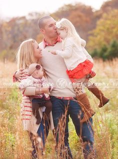 Fall family photos with Heidi Hope   Photography. Something similar to this with us older kids gathered   around