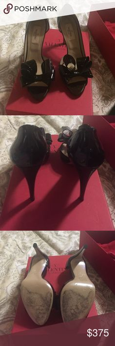 Valentino bow pumps Great condition worn 2 times Valentino Shoes Heels