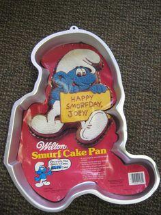 Vintage Smurf Cake Pan