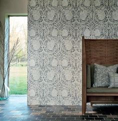 William Morris Pimpernel - Black ink - Pure North - Engelska Tapetmagasinet - tapeter - wallpaper - historic - historisk tapet