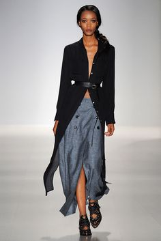 See all the Collection photos from Marissa Webb Spring/Summer 2015 Ready-To-Wear now on British Vogue Look Fashion, Fashion Show, Fashion Design, Simply Fashion, Fashion Ideas, Womens Fashion, Warm Outfits, Cool Outfits, Estilo Hippie Chic