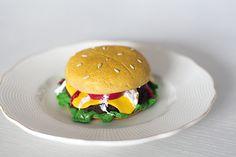 Essmes wyroby handmade: Burgerkubek - hamburger z modeliny