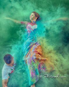 Pinta tu vestido de novia de colores llamativos | Trash the Dress: Fotos con tu Vestido de Novia después de la Boda | El Blog de una Novia