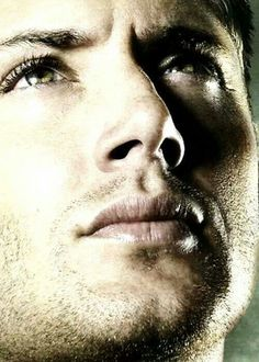 Jensen Ackles - Look how SOFT those lips look.