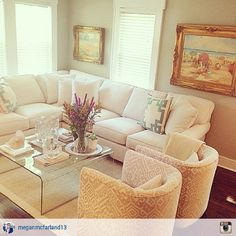 What a gorgeous living room featuring Rowe's Brentwood Sectional!