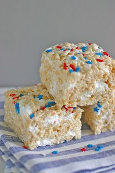 How to make the perfect Rice Krispie treats - great for a July 4th picnic!