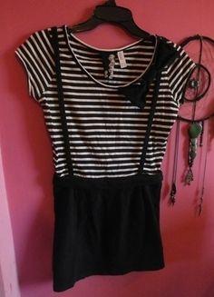 Kup mój przedmiot na #vintedpl http://www.vinted.pl/damska-odziez/krotkie-sukienki/13463272-sukienka-tunika-paski-szelki-kokarda-s-36-emo-punk-gothic-lolita  <3 it!