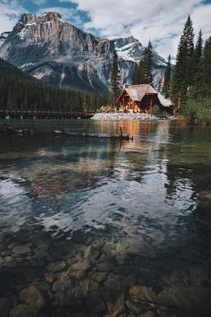 Cabin Goals Emerald lake lodge in Field, British Columbia by Jason Reynolds Beautiful Homes, Beautiful Places, Beautiful Pictures, Chalet House, Cabins And Cottages, Log Cabins, Cabins In The Woods, Cabins In The Mountains, Cabin Homes