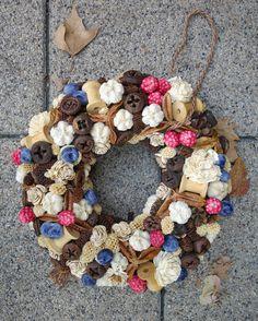 Őszi kopogtató / Autumn Door Wreath Burlap Wreath, Diy And Crafts, Wreaths, Vintage, Home Decor, Decoration Home, Door Wreaths, Room Decor, Burlap Garland