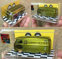 Custom Mooneyes Kombi Van