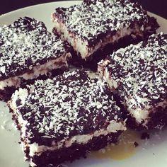 Brownies s kokosovým krémem :: Sestry v kuchyni Brownies, Sweet Cakes, Sweet And Salty, Cravings, Clean Eating, Food And Drink, Low Carb, Snacks, Vegan