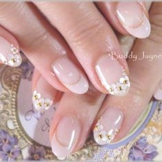 21 Super Cute Nails You Have to Try – Healthick Gel Nail Designs, Cute Nail Designs, Love Nails, Pretty Nails, Kawaii Nails, Wedding Nails Design, Bridal Nails, Beautiful Nail Designs, Rhinestone Nails