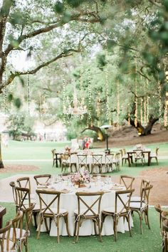Chic rustic theme wedding reception idea; photo: Koman Photography