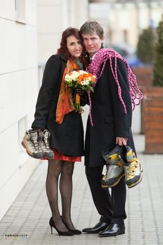 O sesiune foto mai putin obisnuita dupa cununia civila :D Sandro, Mai, Wedding Photography, Dresses, Fashion, Vestidos, Moda, Fashion Styles, Dress