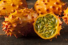 What do you get when you cross a melon and a cucumber? It is Kiwano, yet, another exotic fruit that is packed with loads of goodness that you can benefit from! Exotic Food, Exotic Fruit, Tropical Fruits, Citrus Fruits, Weird Fruit, Strange Fruit, Melon Benefits, Health Benefits, Health Tips
