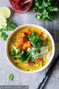 #vegan #vegetarian #food #khaosoi #soup #dinner #veganfood #healthyfood