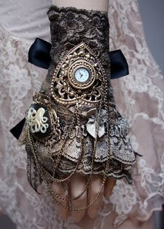 Steam Punk Lolita - Octopus cameo watch ruffle cuff