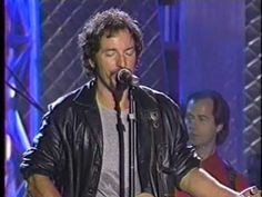 ▶ Bruce Springsteen - Darkness On The Edge Of Town - Rock and Roll Hall Of Fame - Cleveland 1995 - YouTube