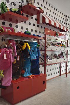 Google and search on pinterest for Decoracion de interiores locales de ropa